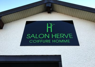 Salon Hervé – Enseigne