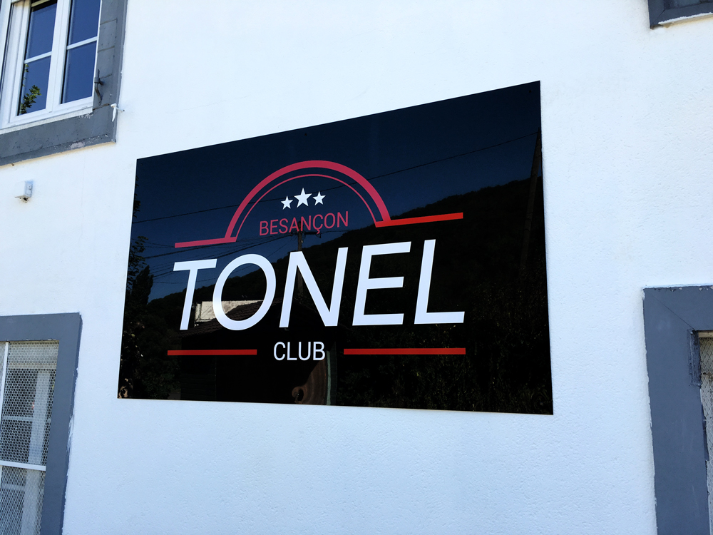Tonel – Enseigne